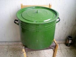 Кастрюля советская на 60 литров, надёжная, эмалированная. Б/у