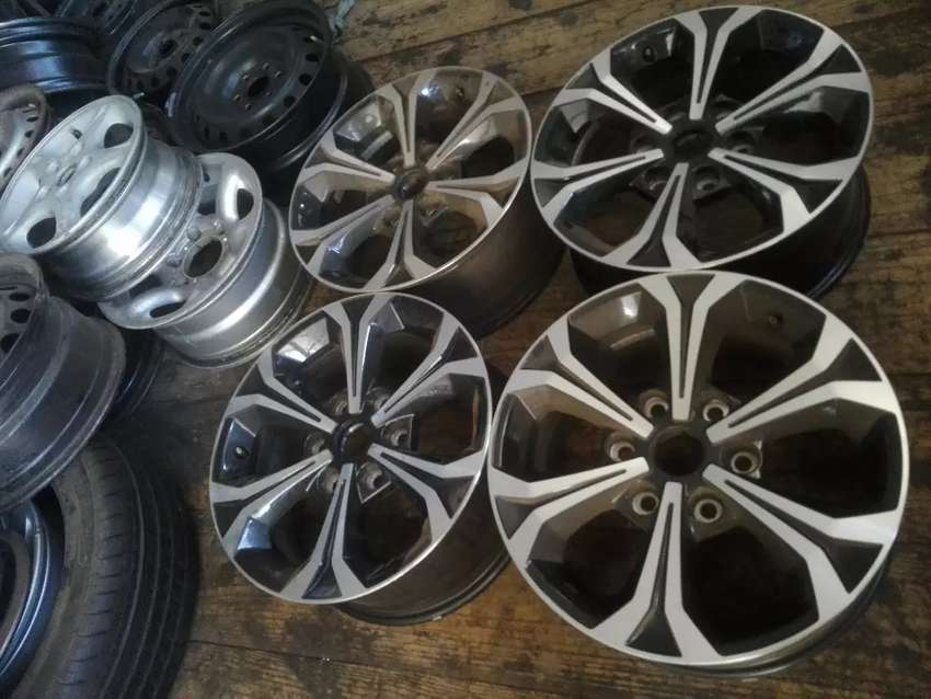 """17 """" Fiat mags rims only"""