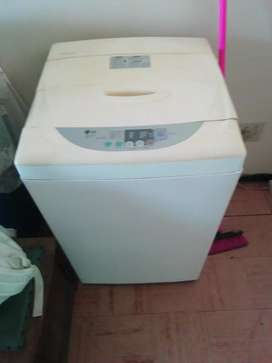 Automatic washing machine FOR SALE @ R1500