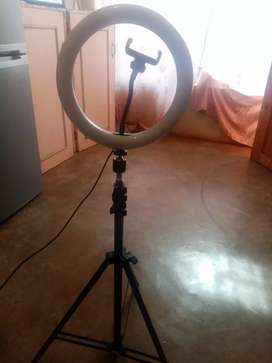 25 cm stand and Ringlight