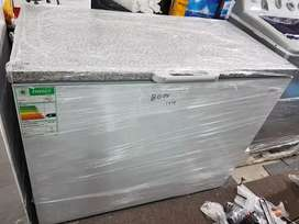 Univa Deep Freezer for only R3500  (292 litres)