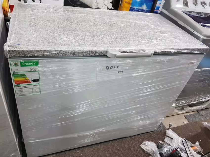 Univa Deep Freezer for only R3500  (292 litres) 0