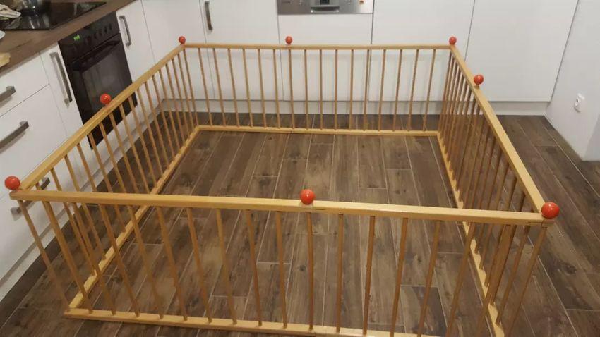 Prodám dětskou dřevěnou ohrádku 0
