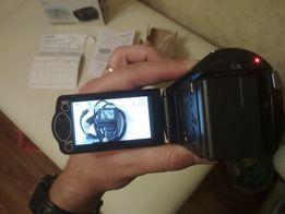 Продам видеокамеру Panasonic HC-V160 + флешка на 32ГБ