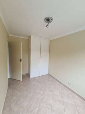 2 Bed, 1 Bath Townhouse in Sunninghill