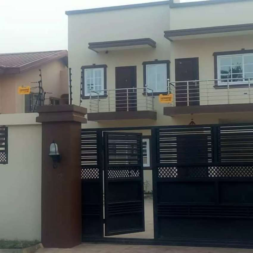 Luxury 4 bedrooms house Forsale at Atomic Down 0