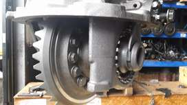 Brand New Mercedes Benz Actros 43/13 ratio front diff