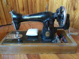 Рабочая швейная машина для старинного интерьера
