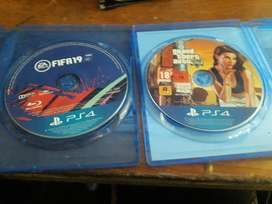 2 pre played Ps4 games !