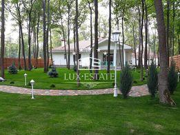 АН Lux-Estate предлагает купить дом в коттеджном городке
