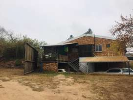 Nelspruit: 1 ha plot with flats and warehouse for sale