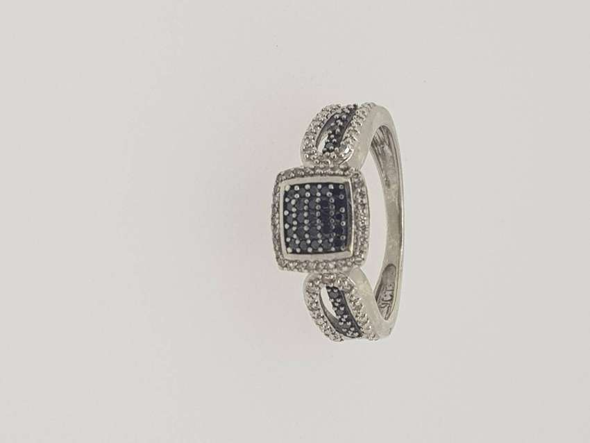 9ct Ladies Ring