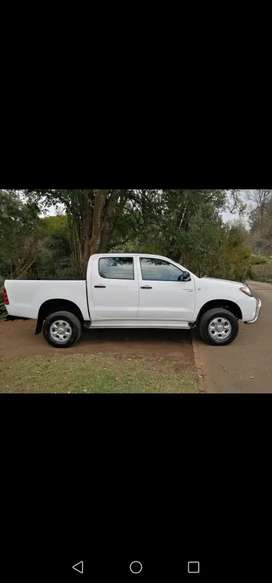 Toyota hilux 2.5 SRX 4x4 d4d in very good condition