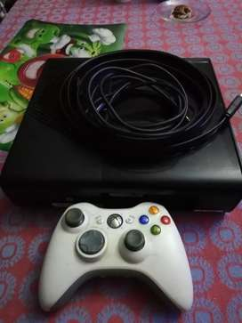 Exbox 360 for sale in good condition nice play