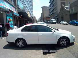 VW jetta 1.6 comfortline model 2011 for SALE