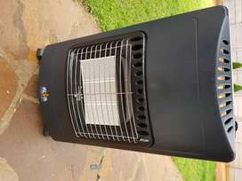 Alva 3 Panel Gas Heater with brand new 10kg gas cylinder