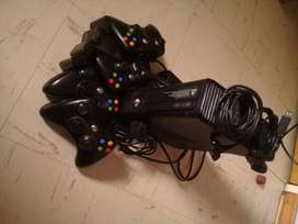 Xbox 360 console with games and wierless controllers