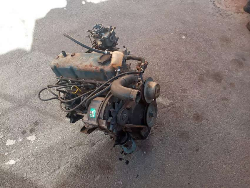 Nissan 1400 engine complete and assorted spares 0