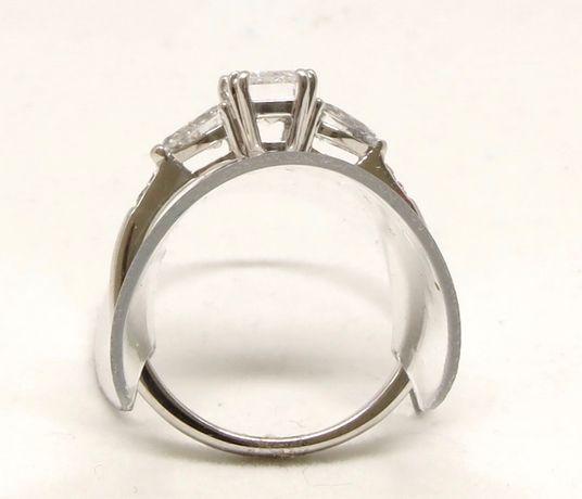 Białe złoto 0,750. Pierścionek z brylantami 1,50 carat. Zaręczynowy. Szczecin - image 7