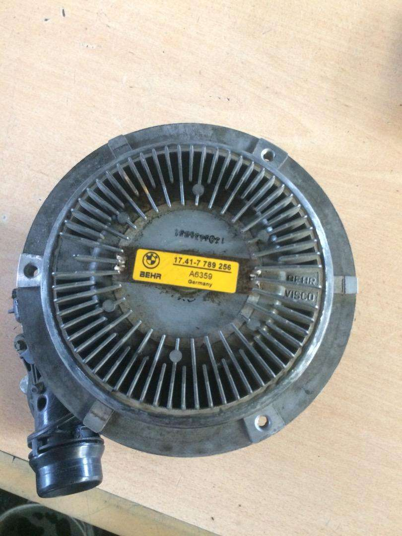BMW X5 3.0D E53 Water Pump for sale 0
