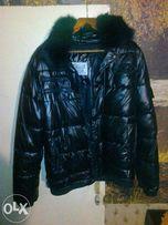 куртка пуховая р 52=54 черная дутая с подкладкой воротник плюс капюшон