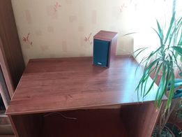 Стол комнатный