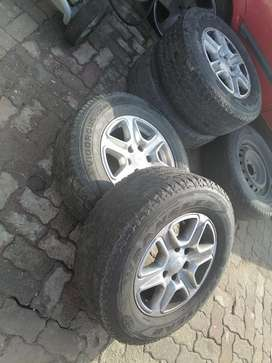Ford ranger mags and tyres incl spare r4500