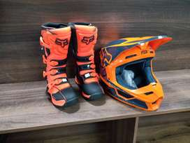 Youth boots and helmets combo