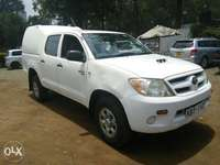 Toyota Hilux Double Cabin 0