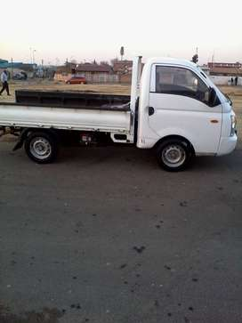 H 100 bakkie for hire1234