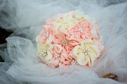 Брошь-букет. Свадебный букет. Букет невесты. Кружевной букет