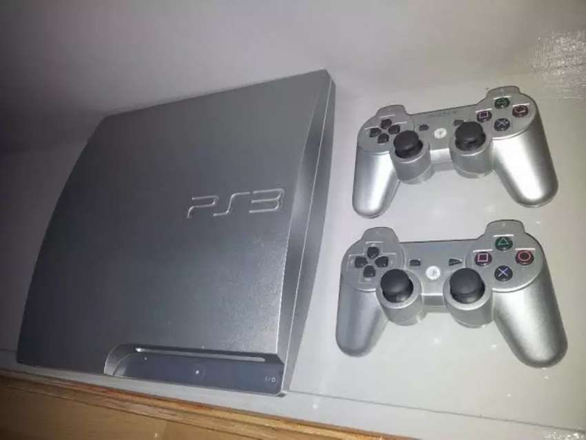 Slim Silver Limited Ps3 Two Controllers at 550k 0
