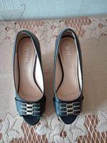 Buty na koturnie - Venezzi - rozm. 39