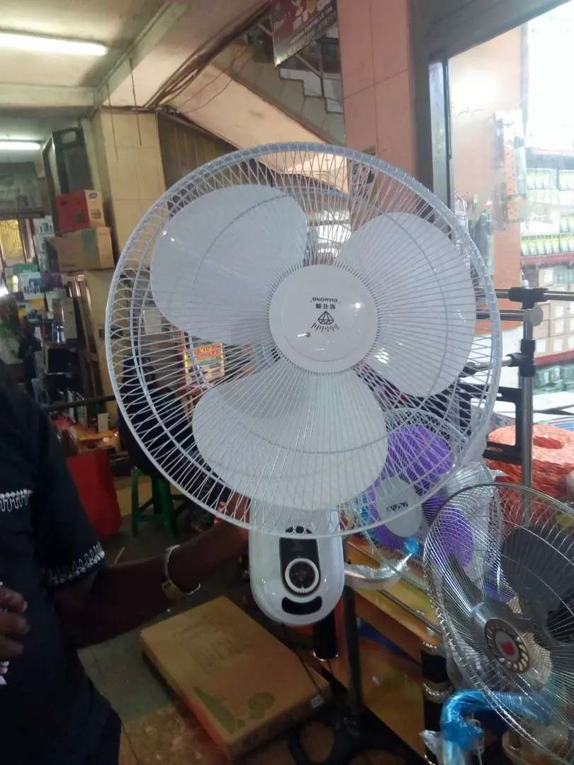 Wall fan dimond 0