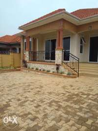 Kira, very posh four bedroom house for sale at 329m 0
