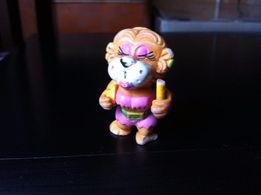Киндер-сюрприз,игрушка львица из серии Львята