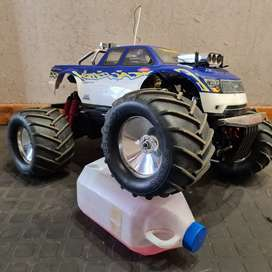 RC Kyosho Mosnter Truck