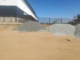 Building sand & stone from R550
