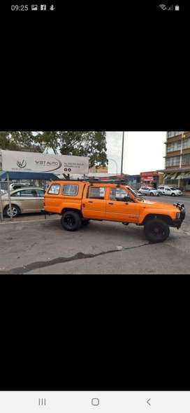 TOYOTA HILUX 3L FITTED WITH A V6 FORD ENGINE