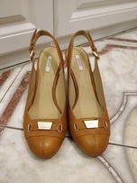 Женские туфли Geox 37 размер с каблуком