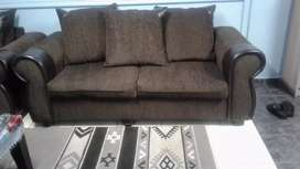 Selling lounge suite 2x2 setar 1x single nice and good condition