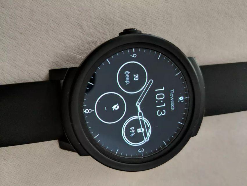 Chytré hodinky Ticwatch E nejlepší na android wear 0