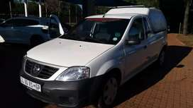NP 200 full service history one owner 2 x keys