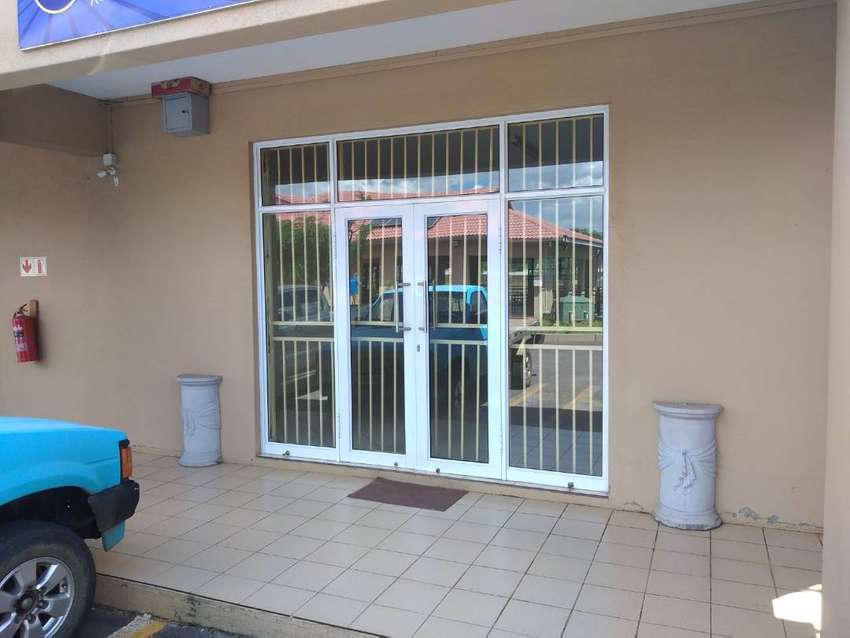 Office / Shop space to let