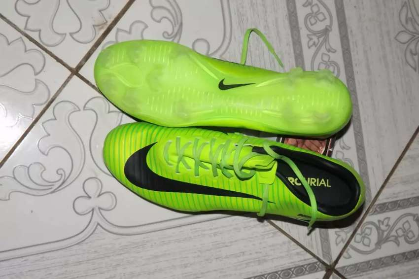 New Nike Soccer Boots 0