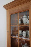 Kredens narożny witryna drewno lite witrynka narożna szklana serwantka