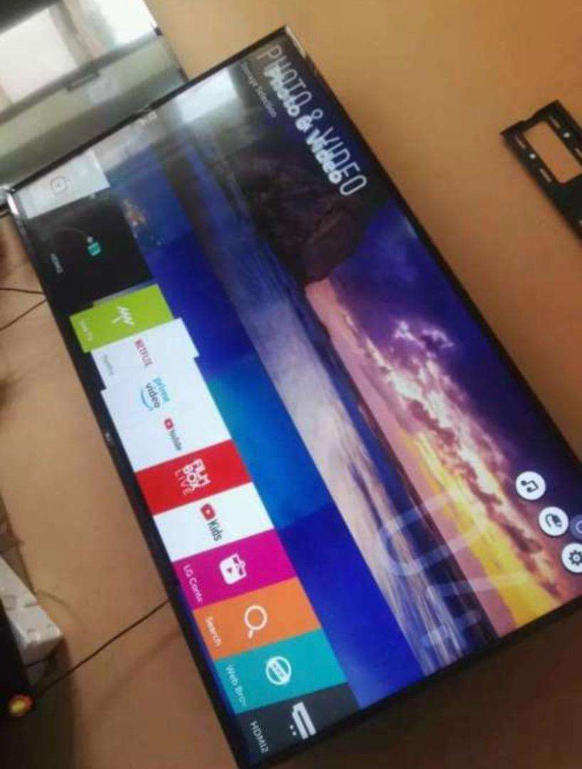 "LG 32"" SMART FULL HD DIGITAL SATELLITE LED TV 0"