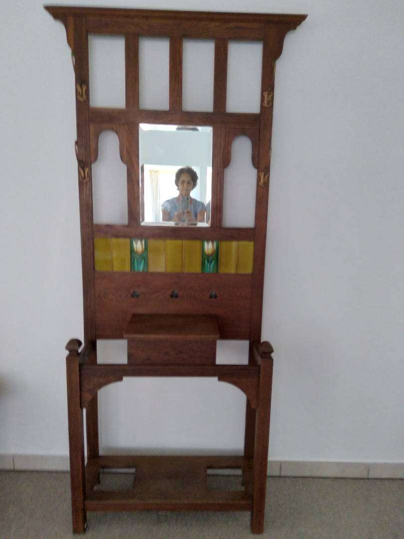 Antique Hallstand with Tiles 0