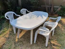 Garden table and 4 chairs set