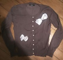 Sweter, bluzka, zapinany na perłowe guziki, kokardki, S/M